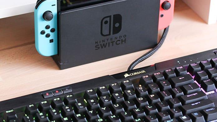 console vs gaming laptop similarities