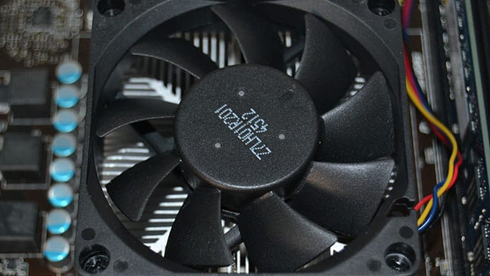 normal vs gaming laptop cooling